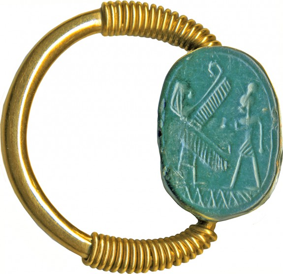 Scarab with Worshiper and Winged Deity Set in a Gold Swivel Ring