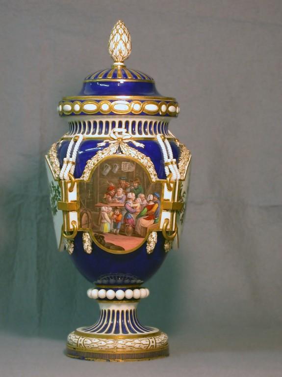 Vase with Cover (Vase ferré)
