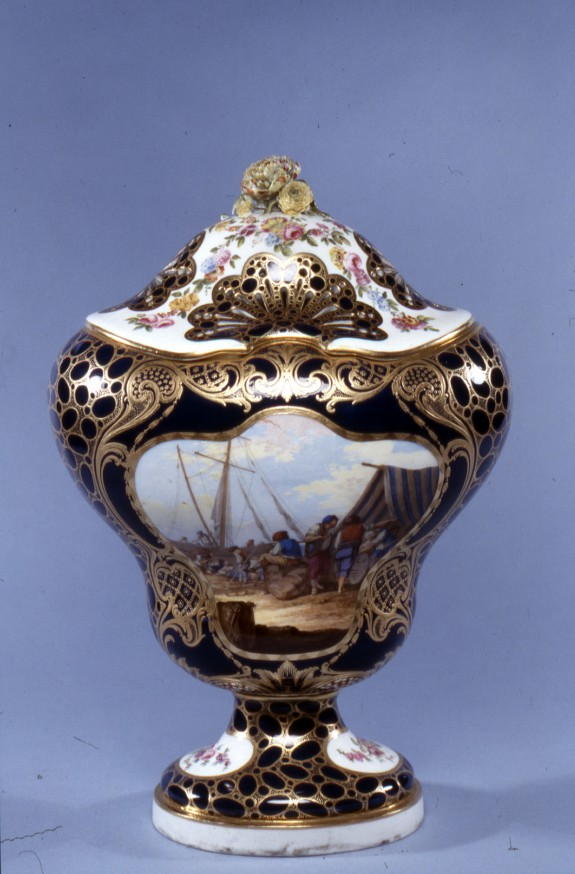 Potpourri Vase (Vase potpourri Hébert)