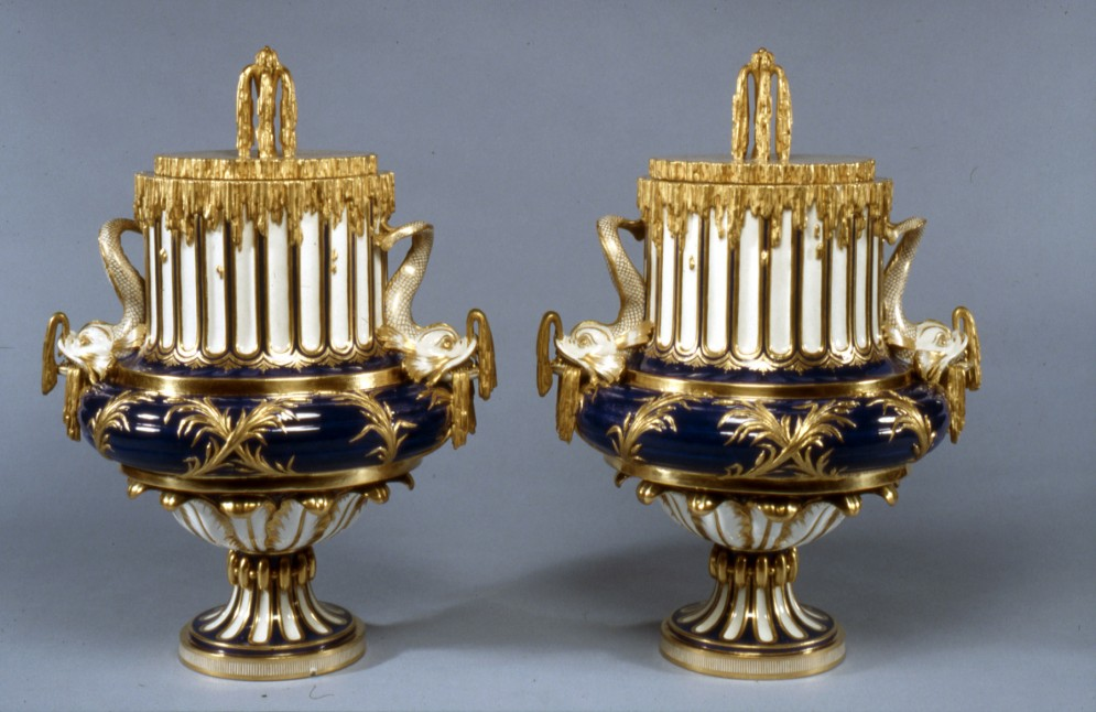 Pair of Vases (Vases à jet d'eau)