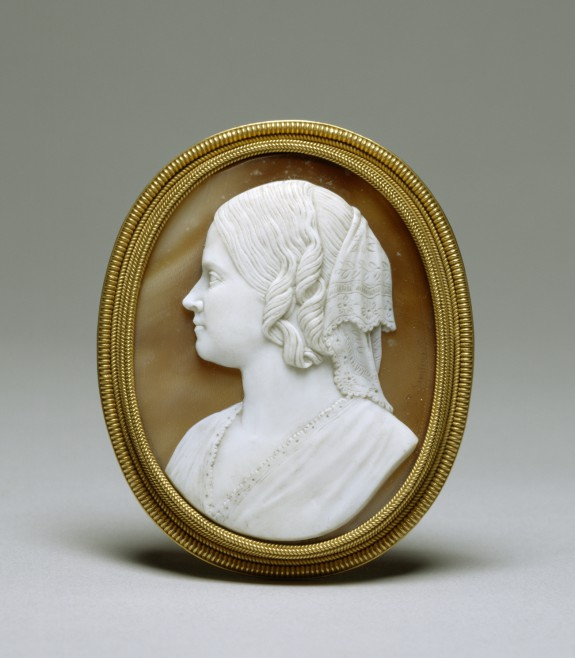 Brooch with profile of Ellen Walters after a bust by William Henry Rinehart