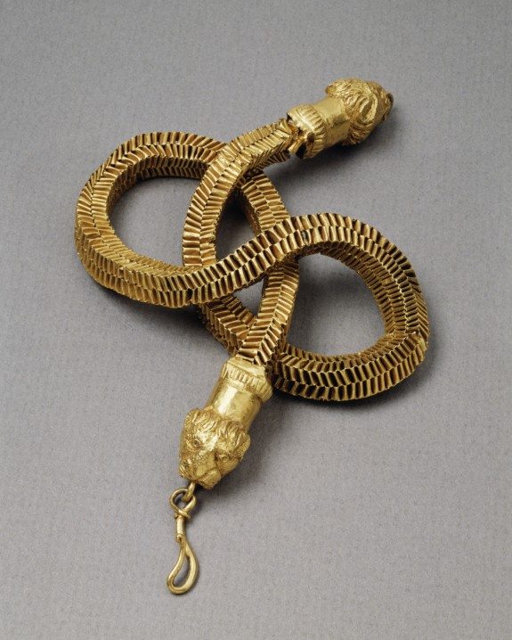Necklace with Lion's-Head Closures