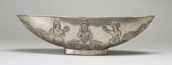 Oval Bowl with Enthroned Figure