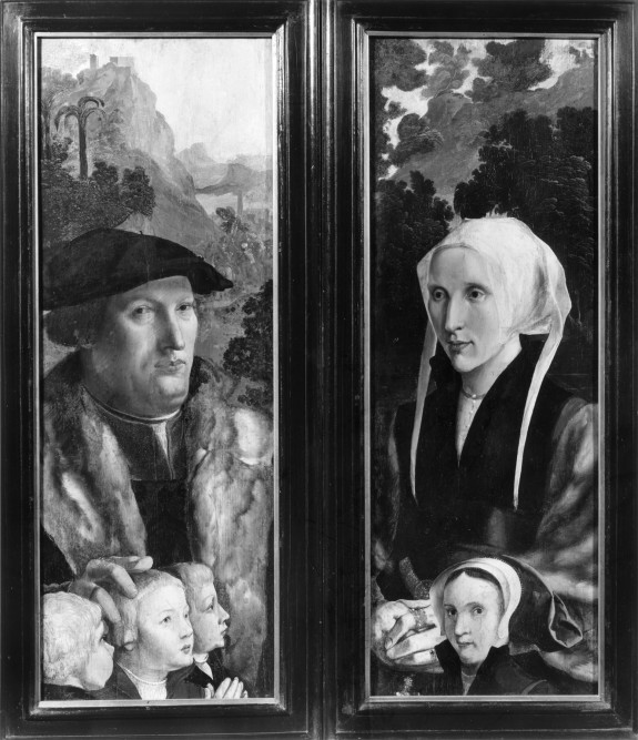 Wings of a Triptych: Two Donors with their Children