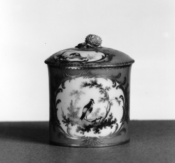 Small Round Box with Birds and Foliage