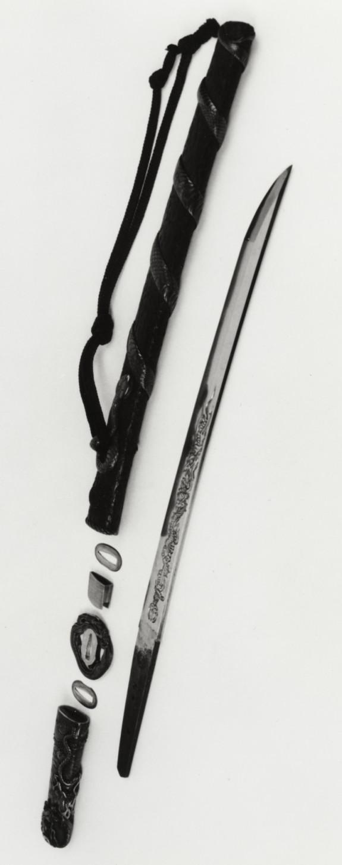 Short sword (wakizashi) with a large silver snake coiled around pine bark saya (includes 51.1269.1-51.1269.5)