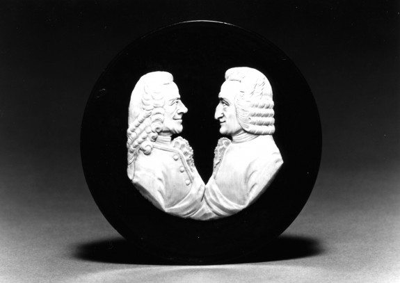 Snuffbox with Voltaire and Rousseau