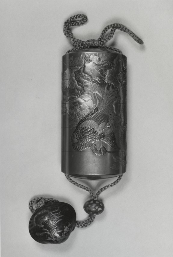Inro Depicting Peacocks and Peonies with Netsuke in Shape of a Clam
