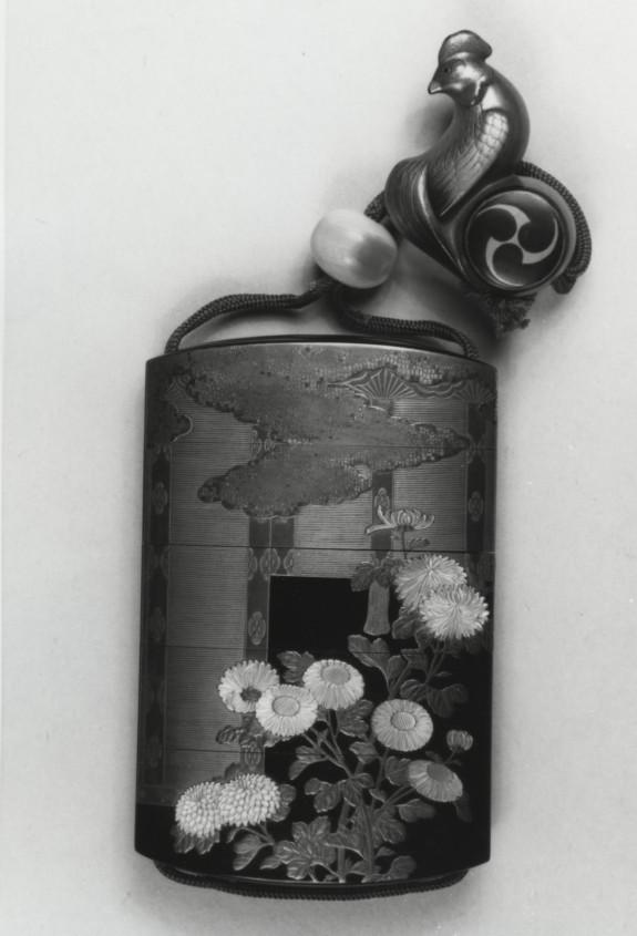 Inro with Chrysanthemums outside Veranda Screens, with Netsuke