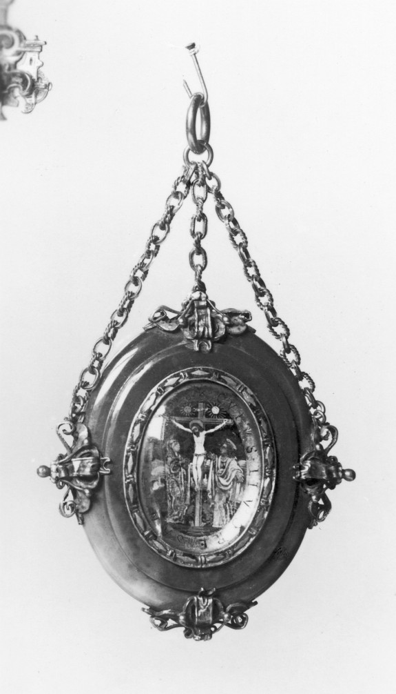 Locket with Scenes of the Crucifixion and the Virgin with the Christ Child