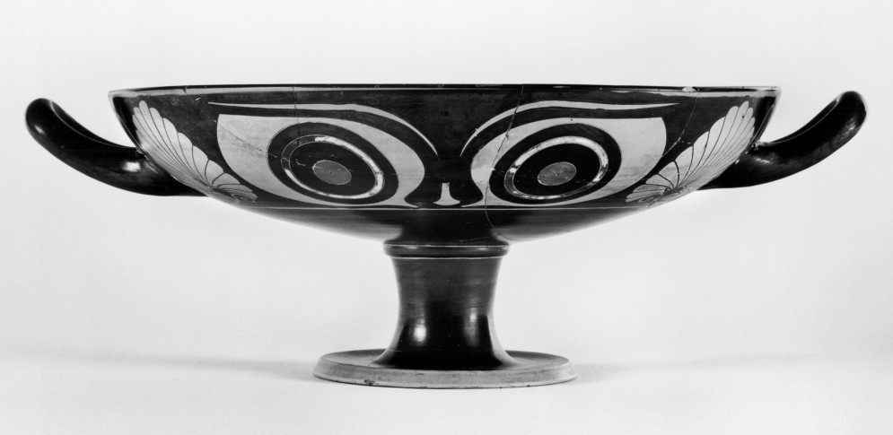Kylix with Eyes and Goat Medallion