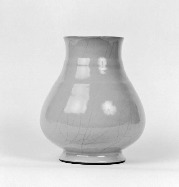 Large Pear-Shaped Vase Imitating Guan Ware