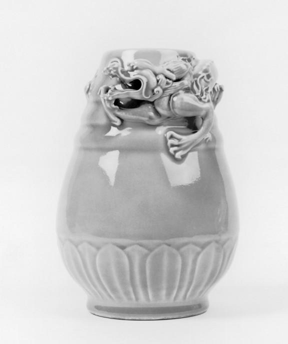 Vase with Dragon