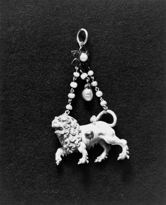 Pendant with a Lion