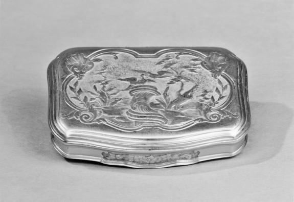 Snuffbox with Landscape and Doves