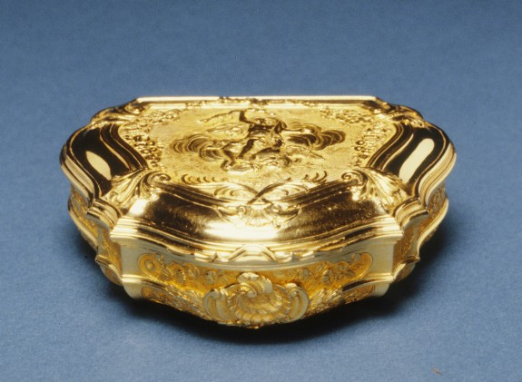 Cartouche-Shaped Snuffbox with Jupiter