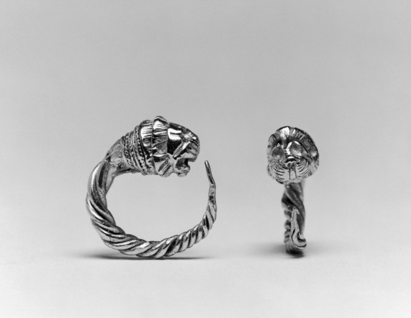 Pair of Hoop Earrings with Lion's Head