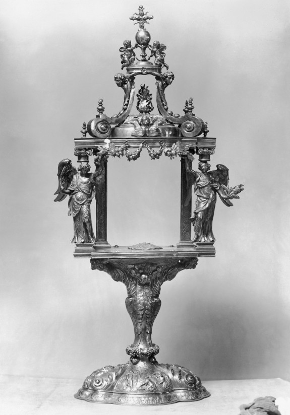 Monstrance with a Canopy Supported by Angels