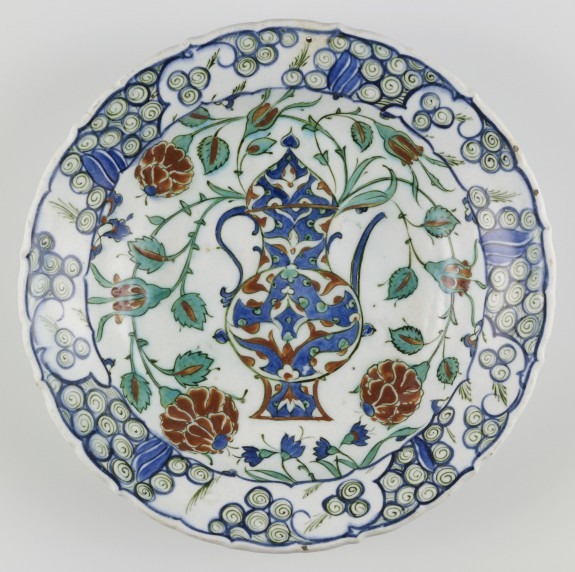 Iznik Plate with Depiction of a Ewer