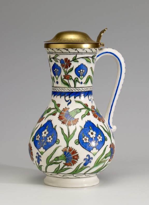 Covered Ewer