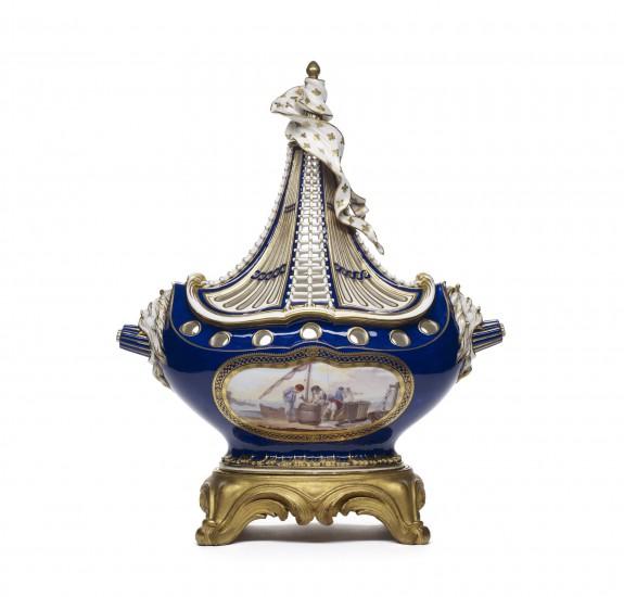Potpourri Vase (Vase potpourri à vaisseau)