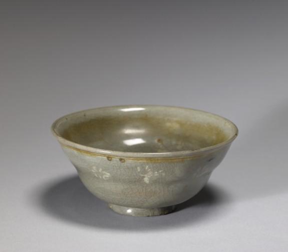 Tea Bowl with Slip-inlaid Decoration