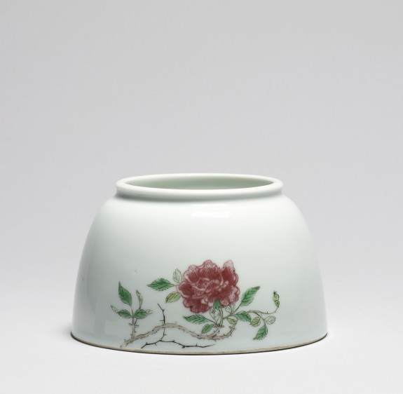 Brush Washer with Roses