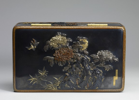 Box with Peonies