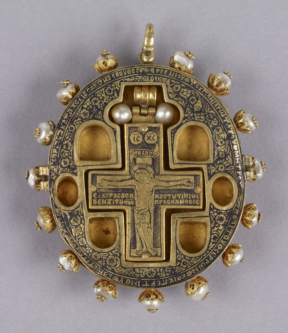 Reliquary Pendant with Virgin and Child