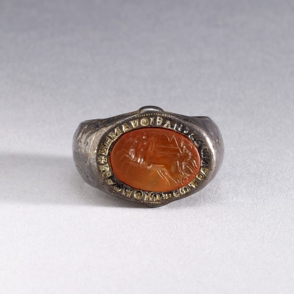 Ring with a Greco-Roman Cameo
