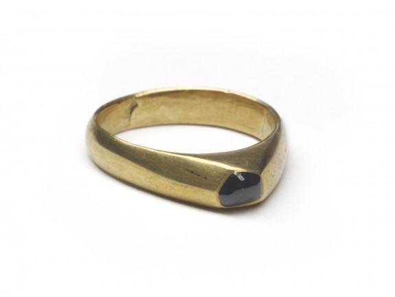 Stirrup-Type Ring
