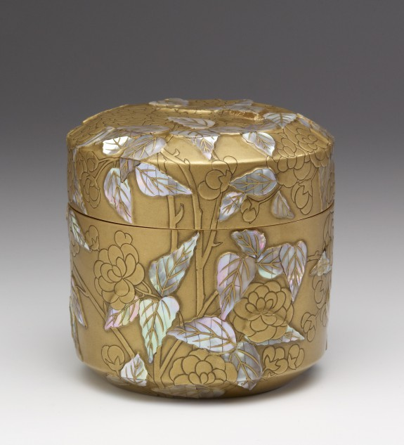 Box with Double Cherry Blossoms