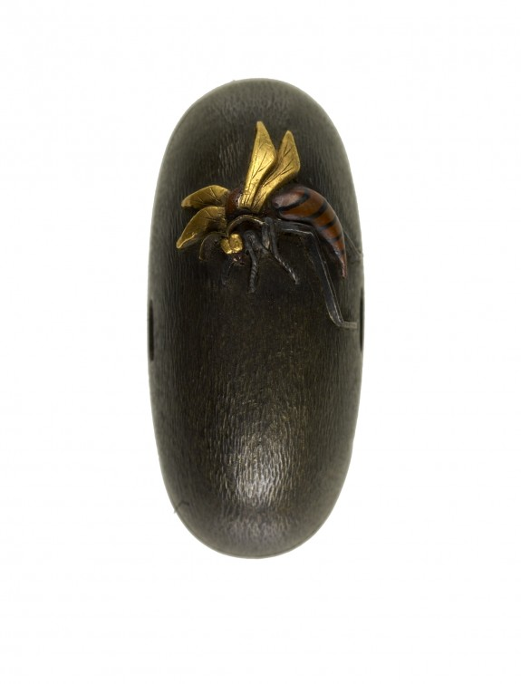 Kashira with Wasp