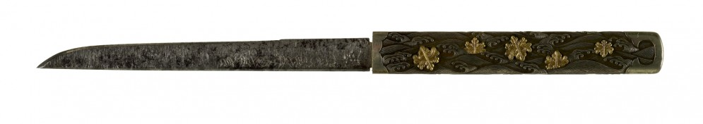 Kozuka with Paulownia Crests and Waves