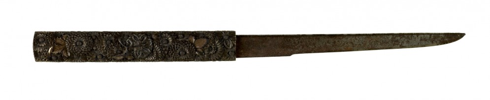 Kozuka with Chrysanthmums