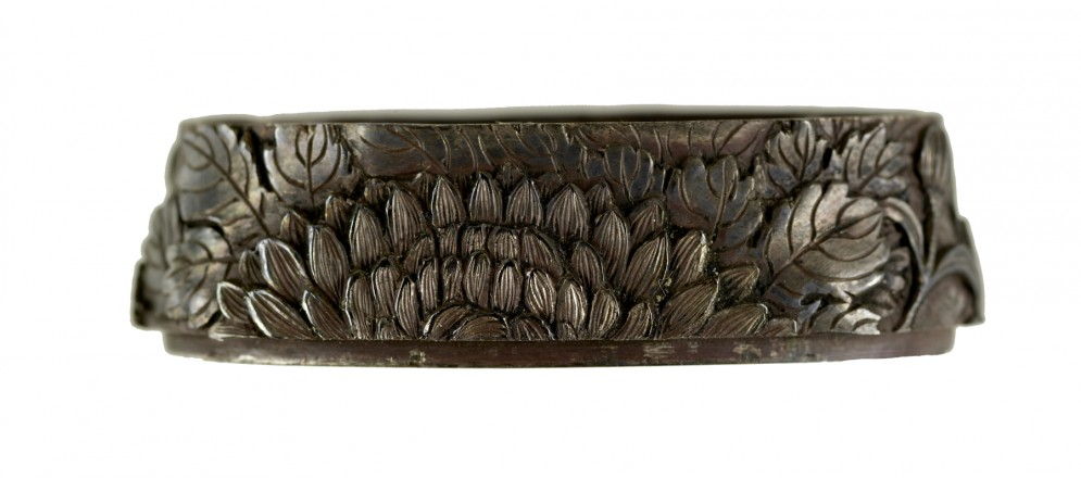 Fuchi with Chrysanthemums