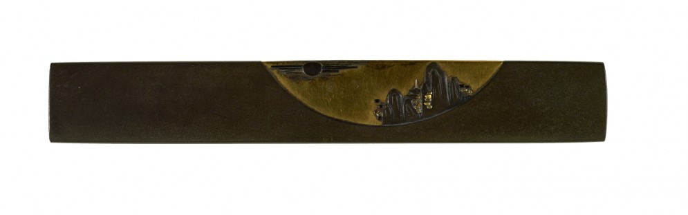 Kozuka with a Pagoda in Mountains