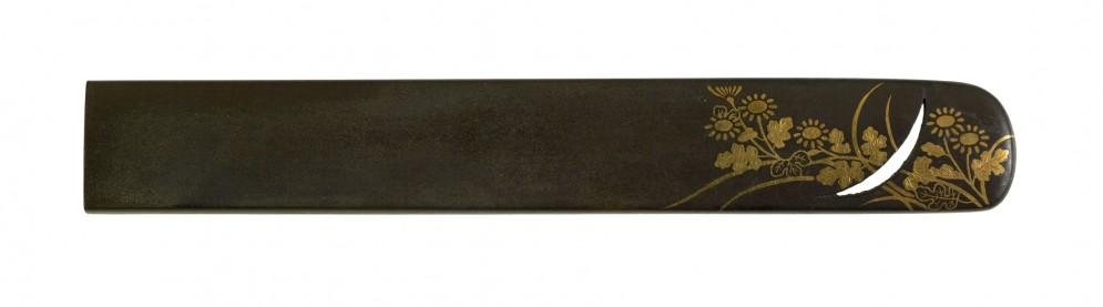 Kozuka with Chrysanthemums, Arrowroot and Moon