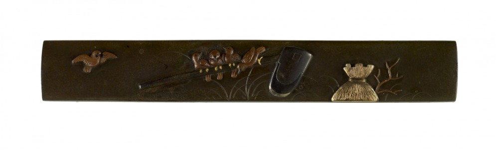 Kozuka with Sparrows on a Hoe and Straw