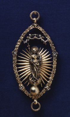 Pendant with the Virgin and Child in Glory