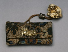"Tobacco Pouch with ""Shishi"" Lions"