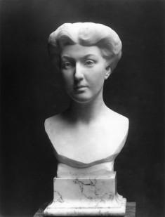 Bust of Mrs. Edmund Gibson Munson (Grace Llewellyn Kernan, 1881-1967)