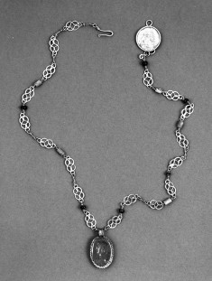 Necklace with Intaglio Pendant of a Man