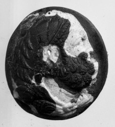 Cameo with Head of Heracles to the Right