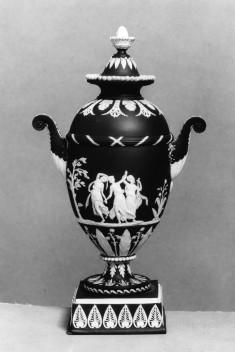 Vase with women dancing