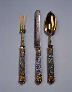 Spoon with Grape clusters and scrolls
