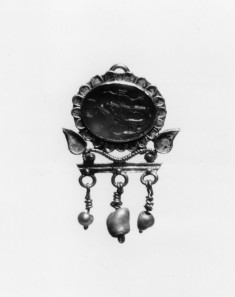 Earring with Heracles Giving Drink to a Goat