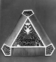 Comb with Imperial Eagle and Ornament