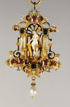 Pendant with Venus