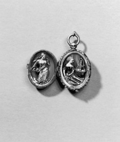 Locket with the Deaths of Pyramus and Thisbe